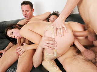 Slutty dp chick gets all her three holes fucked